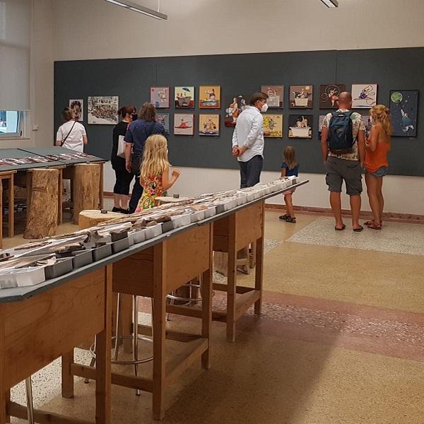 visitatori in mostra